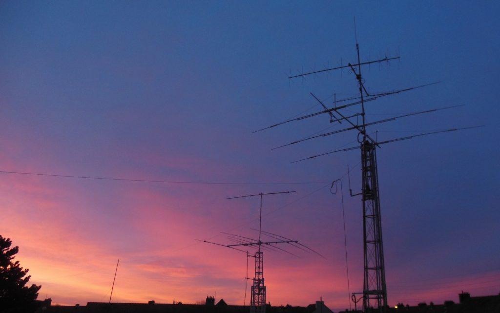 L'A2RS section radioamateurisme F8KGS & radio club Jean Bart F6KMB (TM5CD).